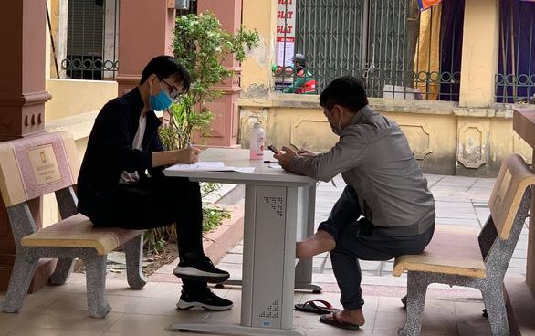 Người dân trở lại Hà Nội sau nghỉ lễ 30-4 phải khai báo y tế